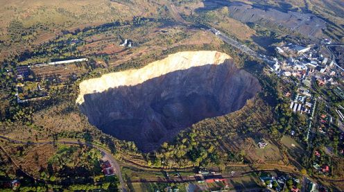 800px-South_Africa-Cullinan_Premier_Mine02.jpg